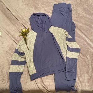 READ DESCRIPTION FashionNova Matching Track Suit